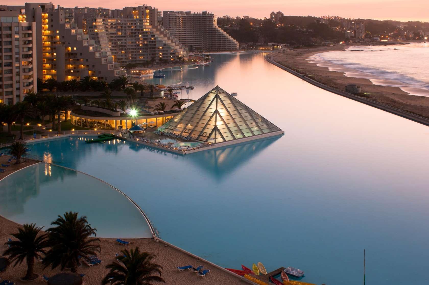 La piscine la plus chare du monde for La plus grande piscine du monde