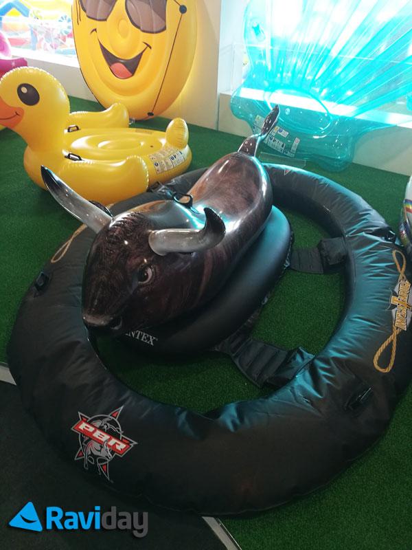 Taureau gonflable de rodéo Inflatabull