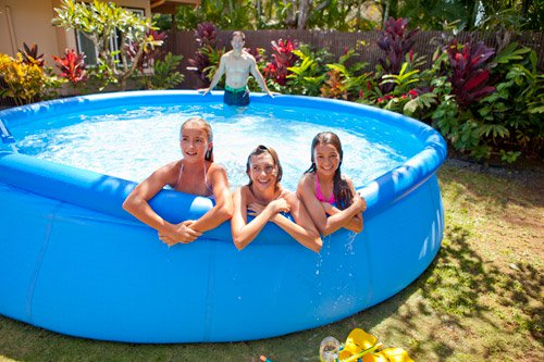 Les diff rentes piscines gonflables hors sol blog de raviday for Balayeuse pour piscine gonflable