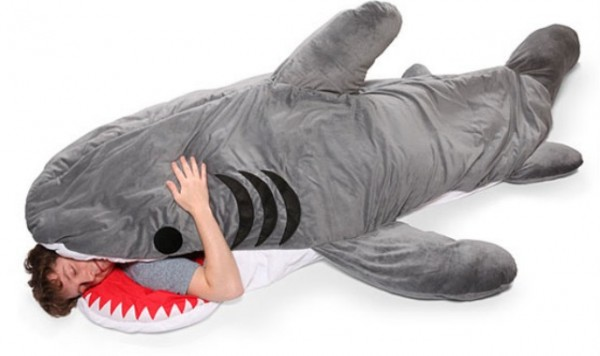 sac-couchage-requin