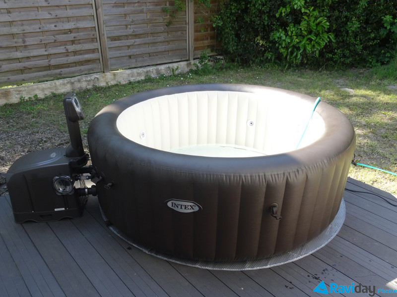 Montage du spa gonflable intex pure spa jets 28424 voir l 39 installation - Comment installer un spa gonflable ...