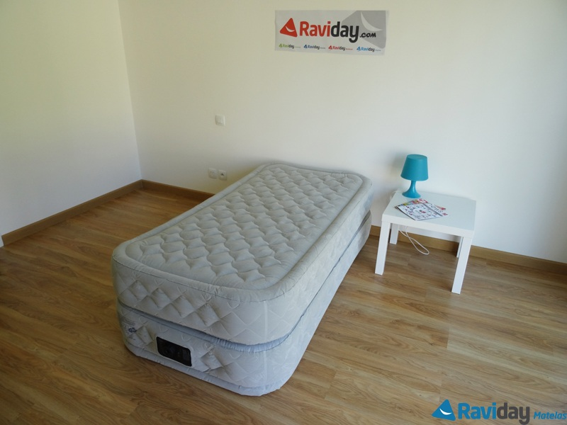 test du intex supreme bed avis sur ce matelas gonflable. Black Bedroom Furniture Sets. Home Design Ideas