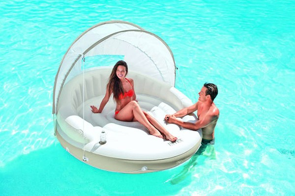 Les meilleurs jeux gonflables de piscine blog de raviday for Piscine intex gonflable