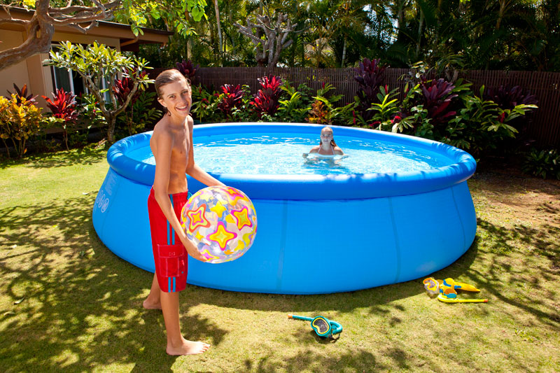 Piscine autoport e tubulaire intex for Piscine gonflable intex ronde