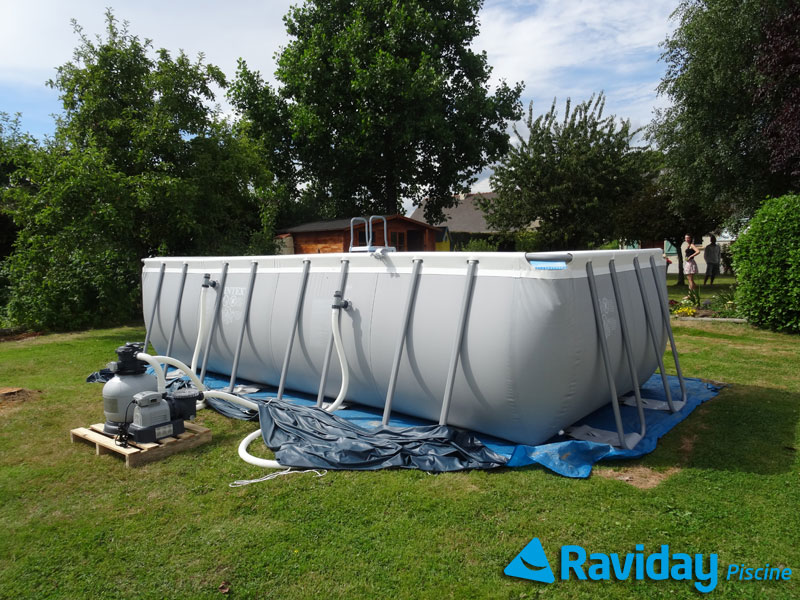 Comment monter une piscine tubulaire montage et for Piscine hors sol pvc intex