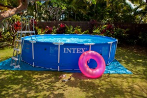 piscine-tubulaire-intex-ambiance