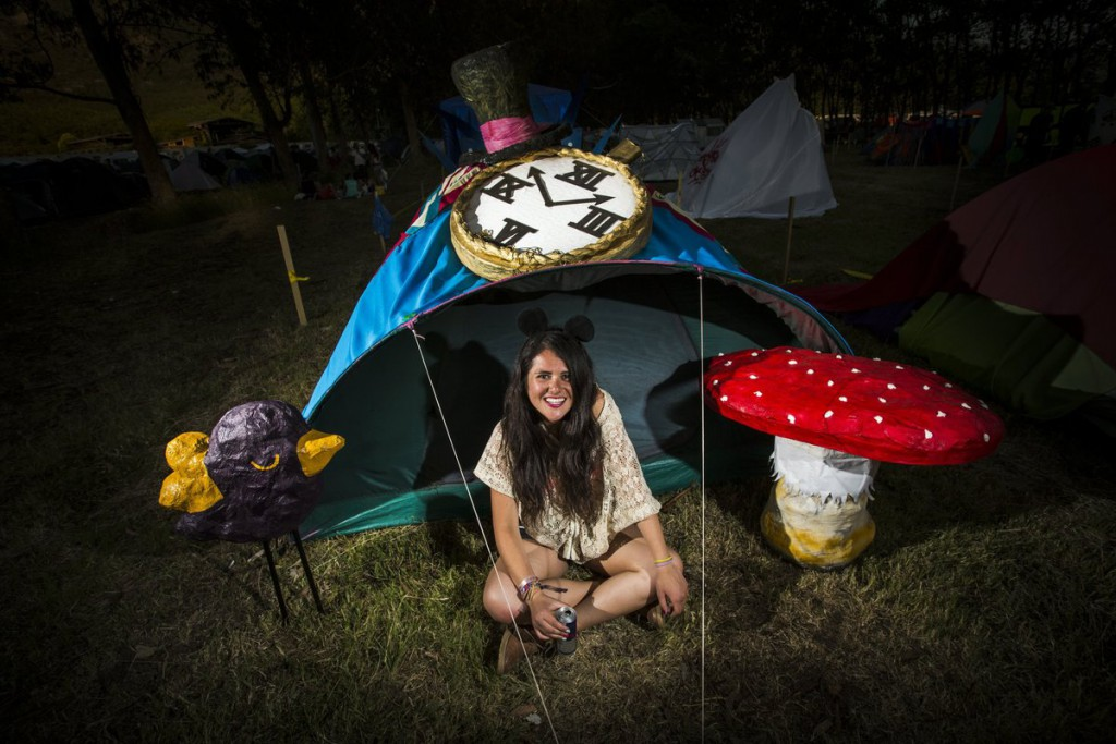 Tente personnalisée originale, Tente Alice au Pays des Merveilles