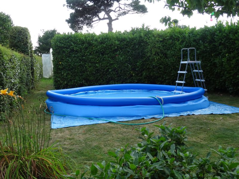 Montage d 39 une piscine intex easy set autoport e for Montage piscine intex