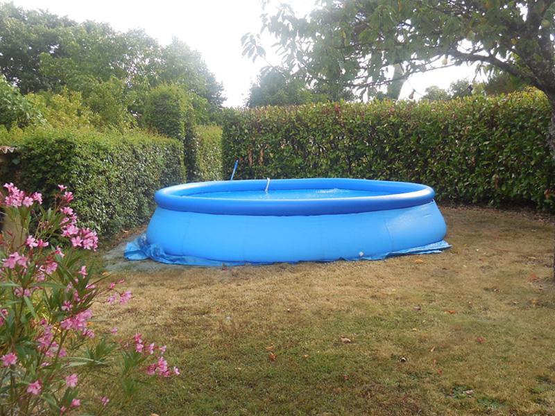 Photo de la piscine prise 1 an plus tard en juillet 2015