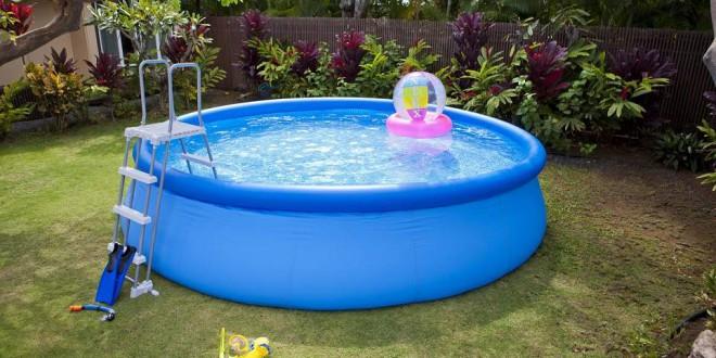 o et comment vider l 39 eau de sa piscine ou de son spa. Black Bedroom Furniture Sets. Home Design Ideas