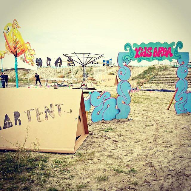 kartent-tente-en-carton-festival