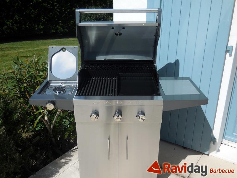 Réchaud latéral sur le barbecue à gaz Cadac Entertainer