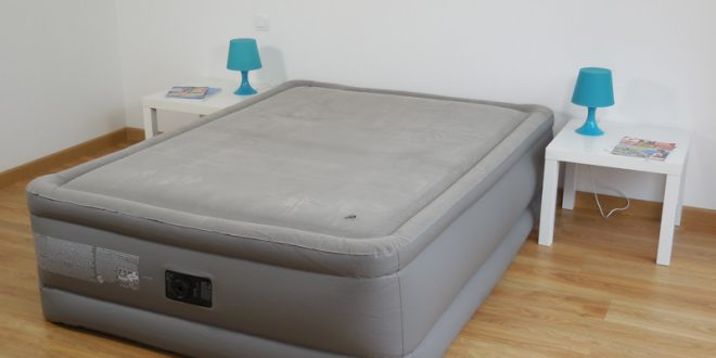 test avis matelas gonflable intex foam top deluxe avec m moire de forme. Black Bedroom Furniture Sets. Home Design Ideas