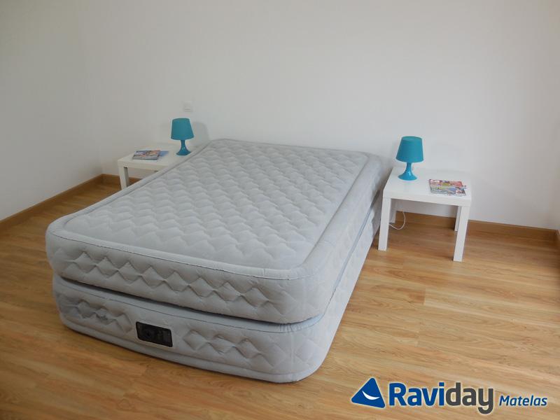 lit d appoint gonflable carrefour pouflit pliant lit. Black Bedroom Furniture Sets. Home Design Ideas