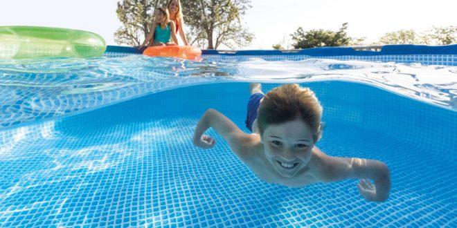 une piscine hors sol intex pour profiter de votre t. Black Bedroom Furniture Sets. Home Design Ideas