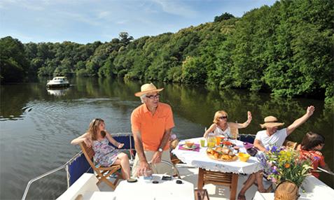 les-canalous-croisiere-fluviale-bateau-sans-permis