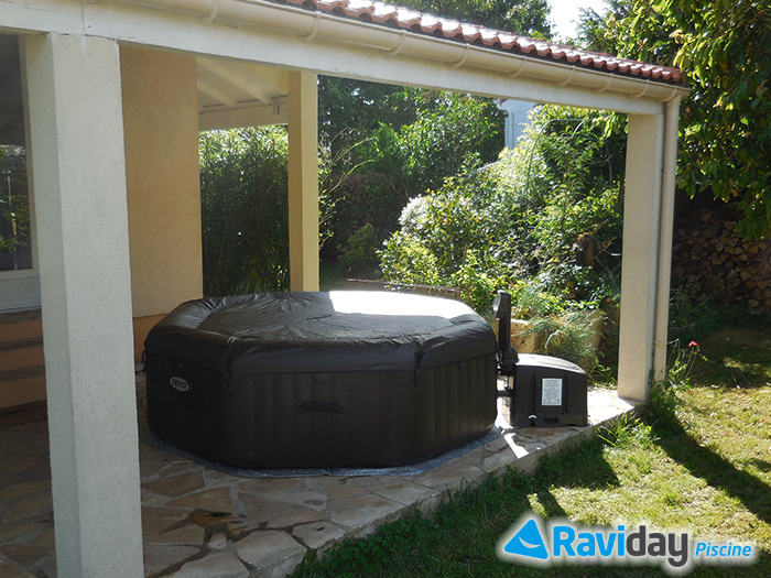 O installer un spa gonflable chez soi blog de raviday - Spa integre dans terrasse ...