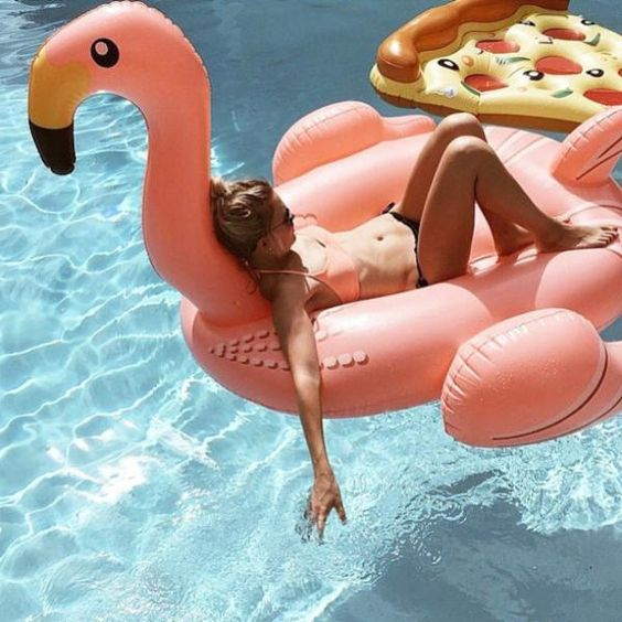 flamant-rose-pizza-gonflable