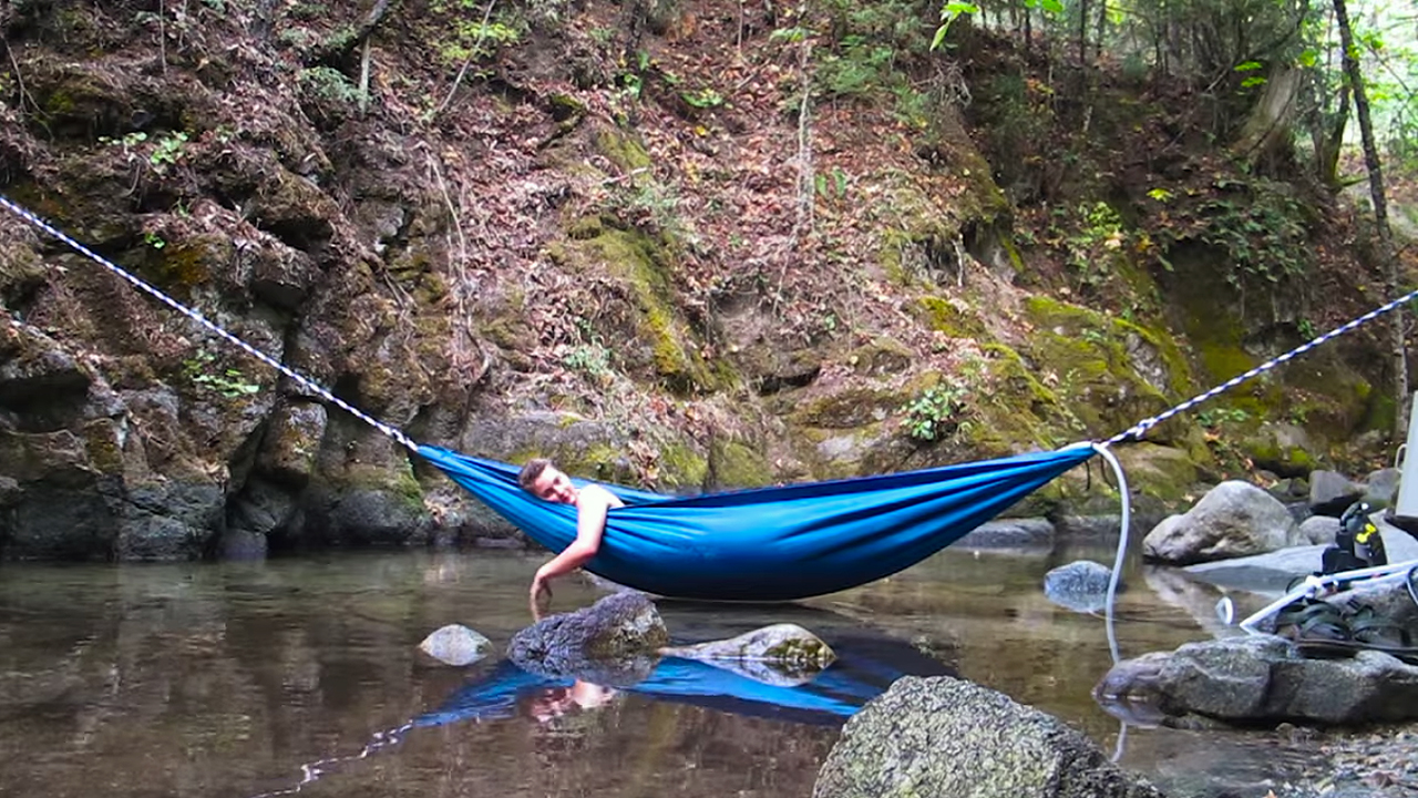 D couvrez le hydro hammock un hamac transformable en for Piscine transportable