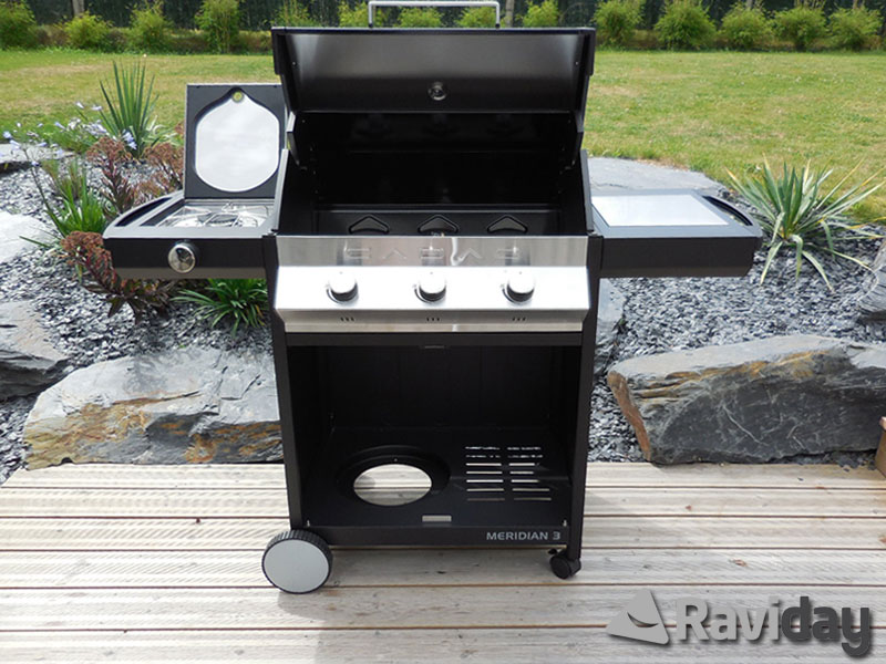 Montage du barbecue à gaz Cadac Meridian Plancha'n Grill 3