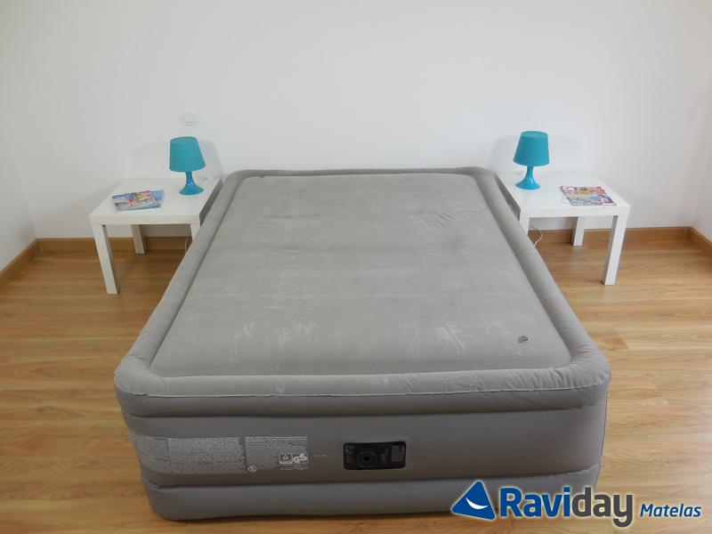 test avis matelas gonflable intex foam top deluxe avec m moire de forme. Black Bedroom Furniture Sets. Home Design Ideas
