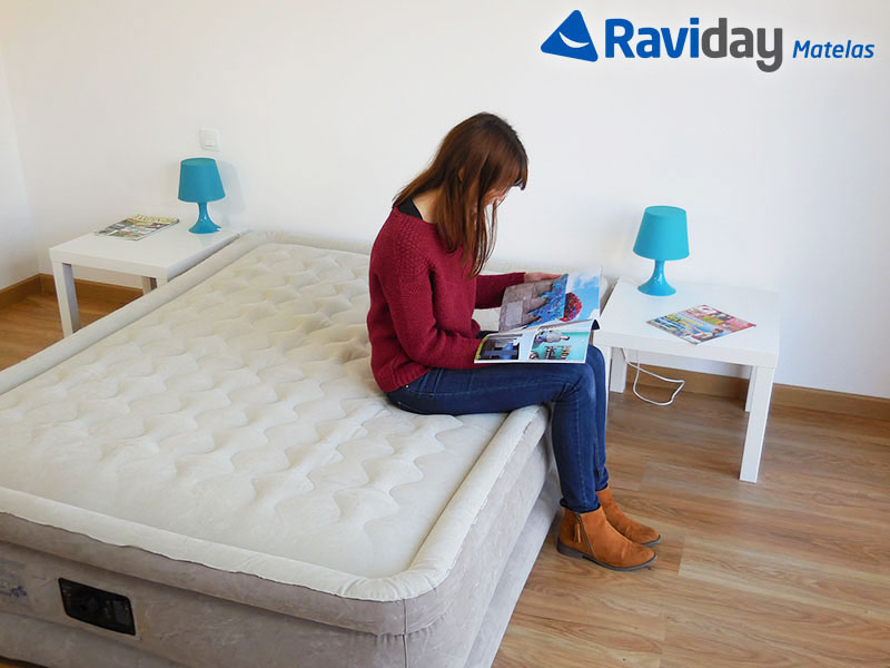 top 5 des meilleurs matelas gonflables en 2018 blog de raviday. Black Bedroom Furniture Sets. Home Design Ideas