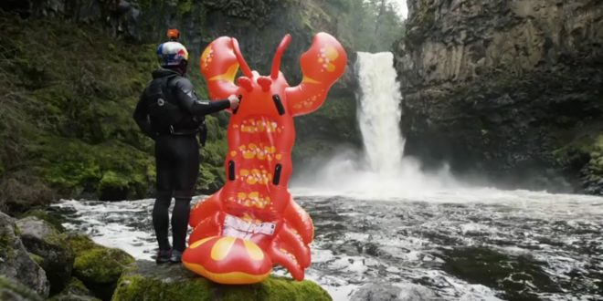 homard-gonflable-saut-cascade-rafa-ortiz-2