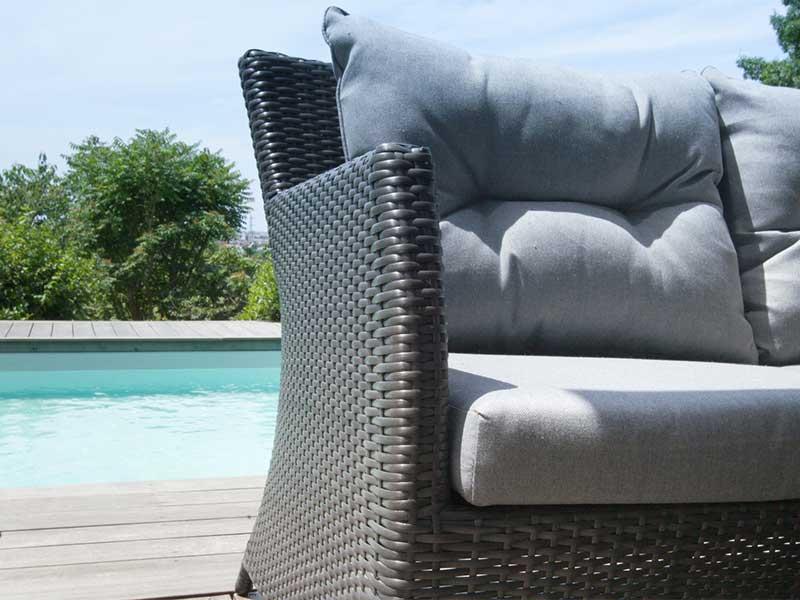 L'entretien d'un meuble de jardin en résine est très simple