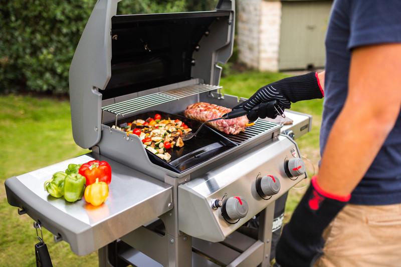 Une cuisson mixte 50% grill et 50% plancha sur le nouveau Spirit 2