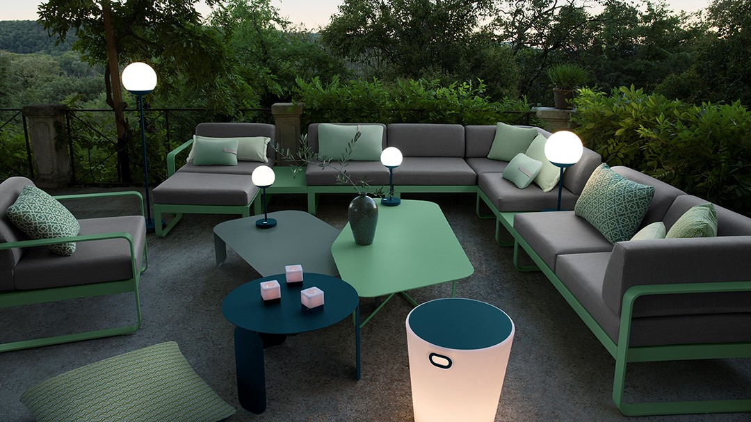 Lampe d'extérieur Fermob pour décoration terrasse ou jardin, chez Raviday