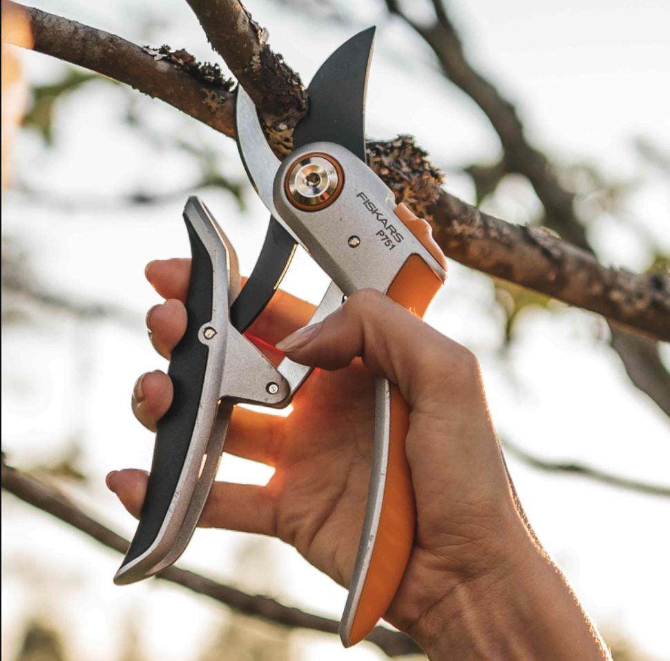 Sécateur Plus PowerLever pour branches dures Fiskars P751