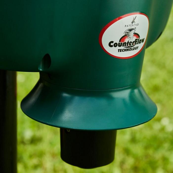 Les moustiques sont ensuite aspirés par un tube et ne peuvent plus ressortir du filet à insectes grâce à la technologie CounterFlow