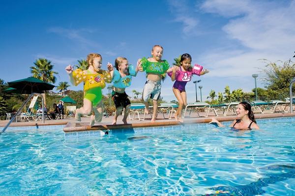 Marque sevylor accessoires pour piscines for Accessoires piscine 01